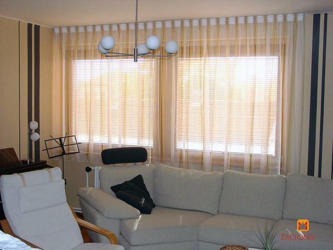 Moebel thema new line dulliken schweiz vorhangen for Moderne fensterdekoration wohnzimmer